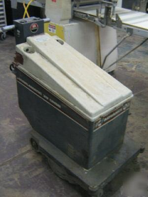 Advance Whirlamatic 20 Uhsb Floor Buffer Scrubber