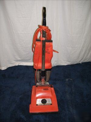 Hoover U7069 080 Conquest Commercial Upright Vacuum